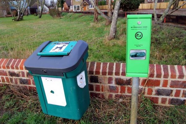 Best Pet Waste Disposal Systems (Dog Poop And Cat Litter Trash Can)